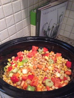 Crockpot veggies for a quinoa salad, super easy and super colorful!